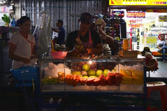 bangkok-backpacker-obsstand-urlaubsbericht