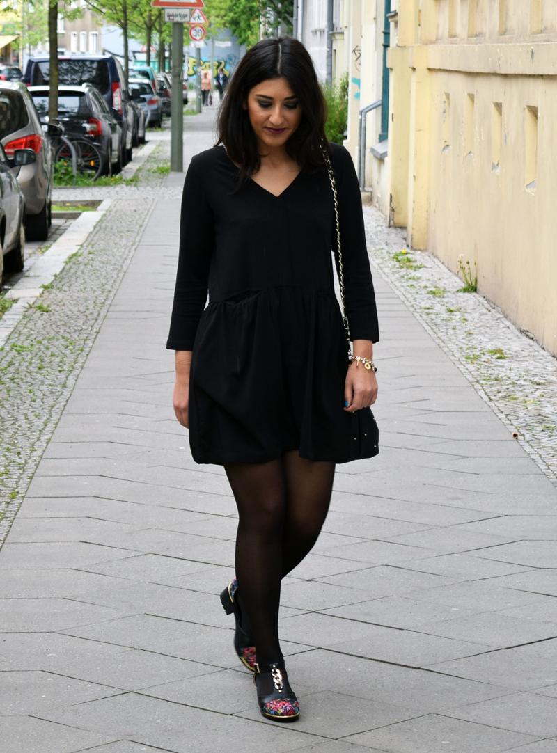 Kleines Schwarzes Kleid - Mode Blog TAF