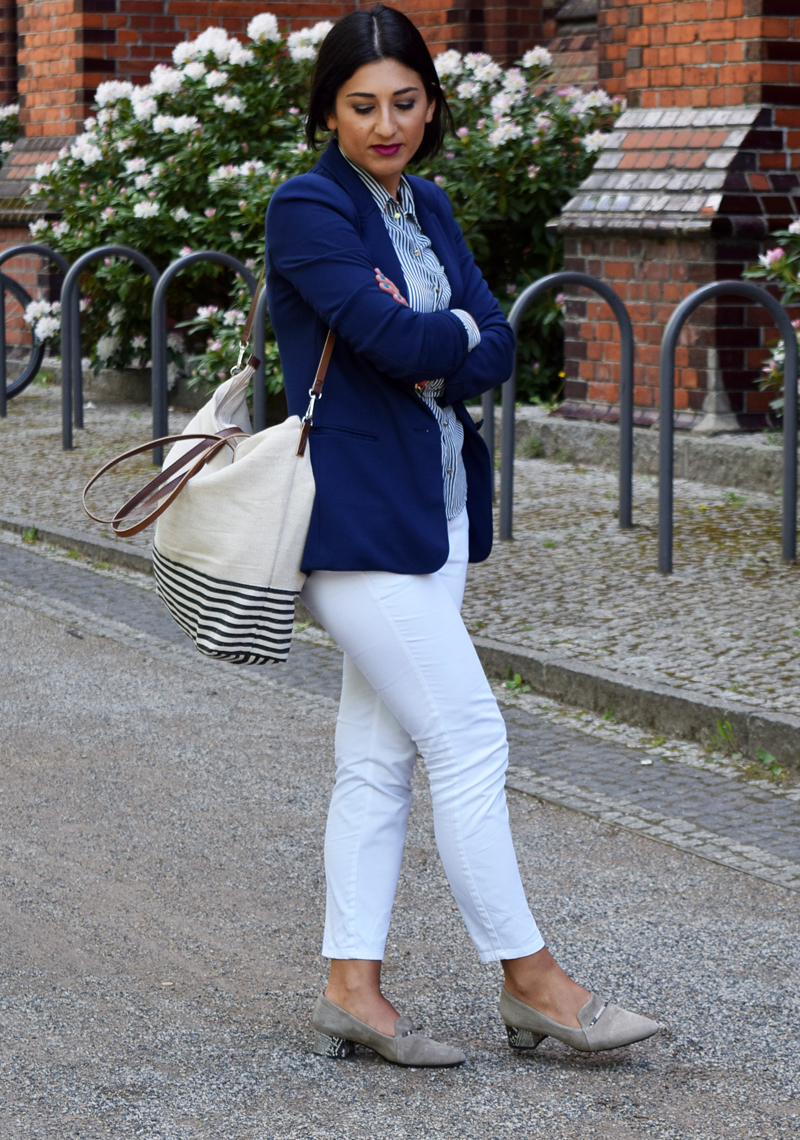 outfit marine blau