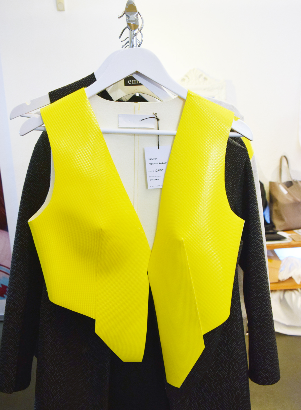 Lieblingsweste in Gelb auf Fashionyard