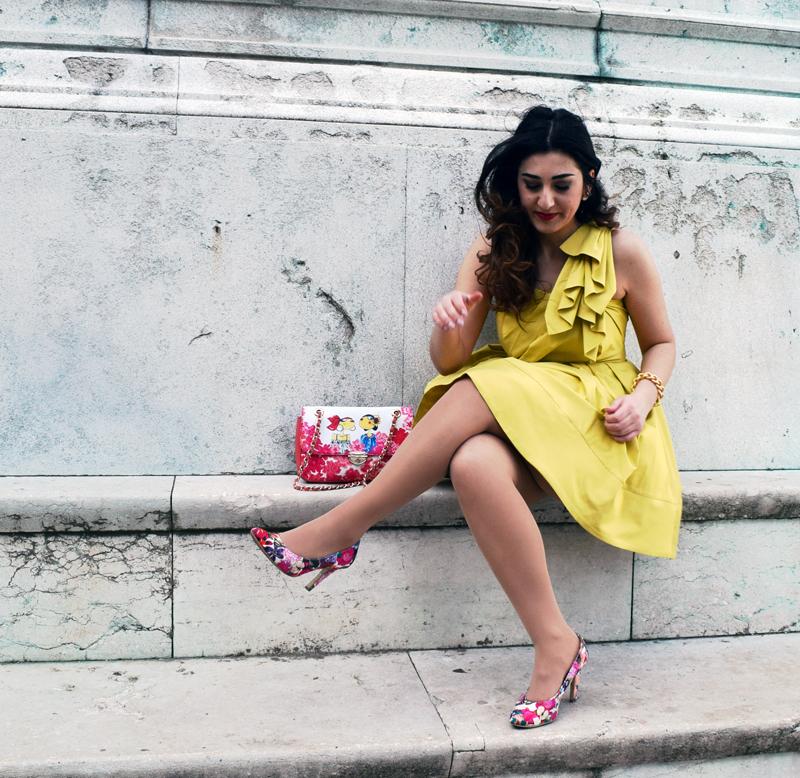 Outfits im gelben Sommerkleid