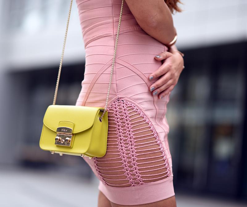 furla metropolis tasche zum bandagen Kleid