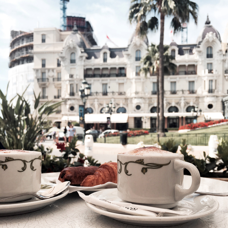 kaffee im Cafe de Paris in Monaco