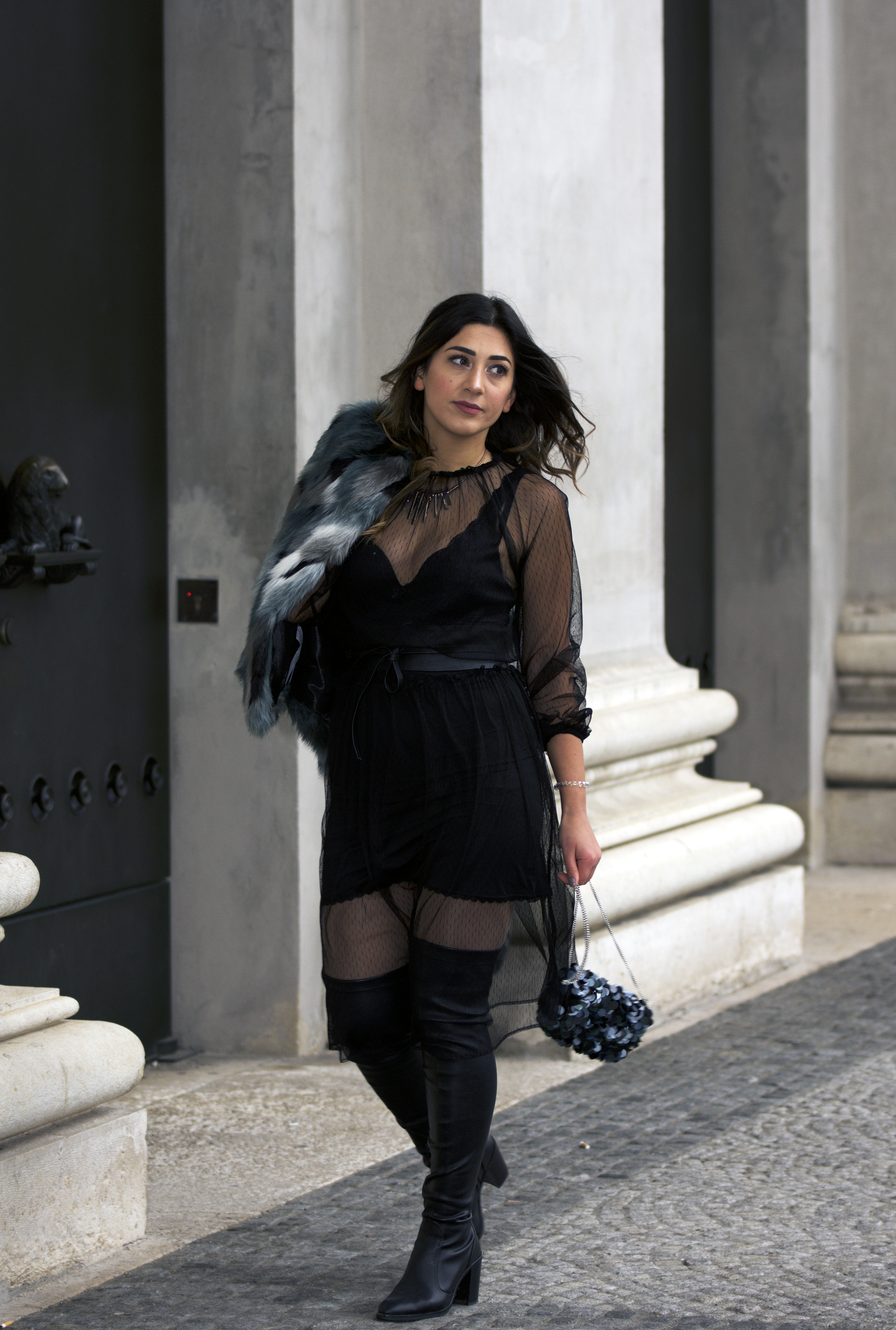 Fashion Blogger Netzstoffkleid Outfit