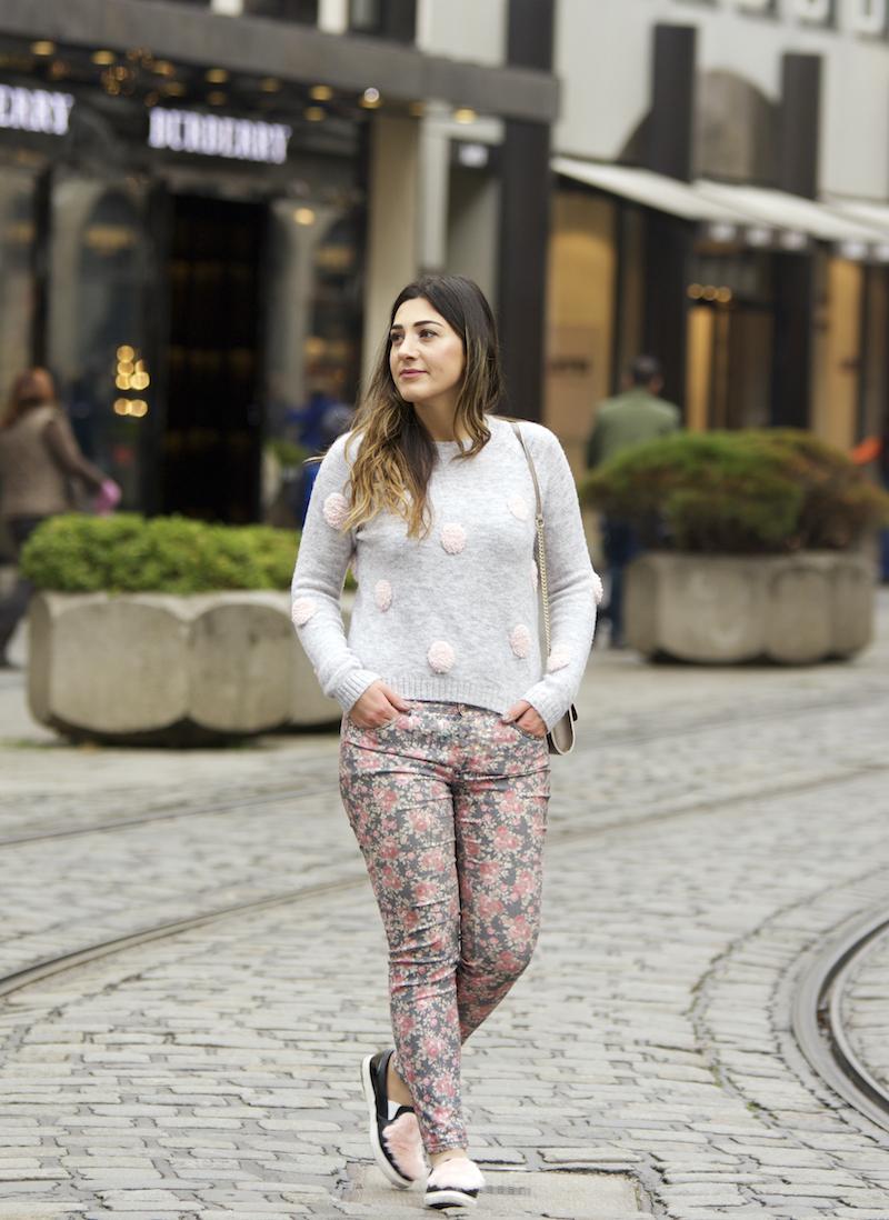 casual look mit polka dots für die city