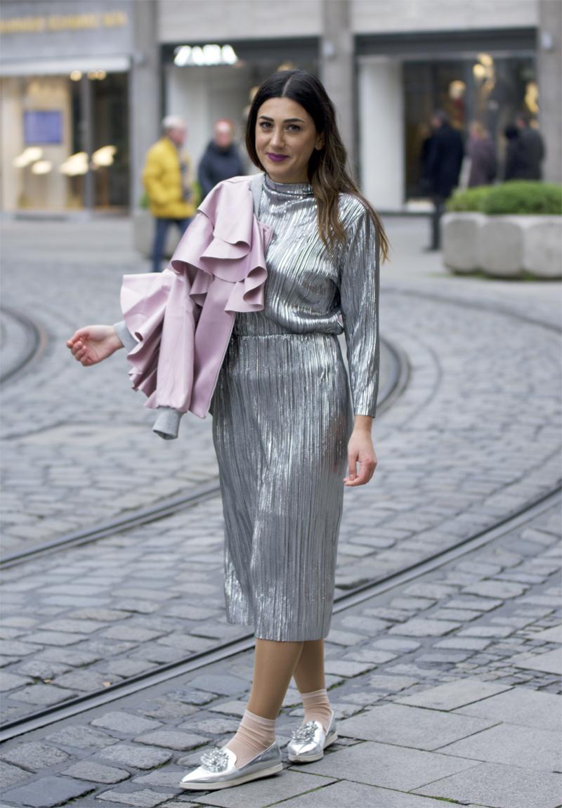 metallic kleid outfit