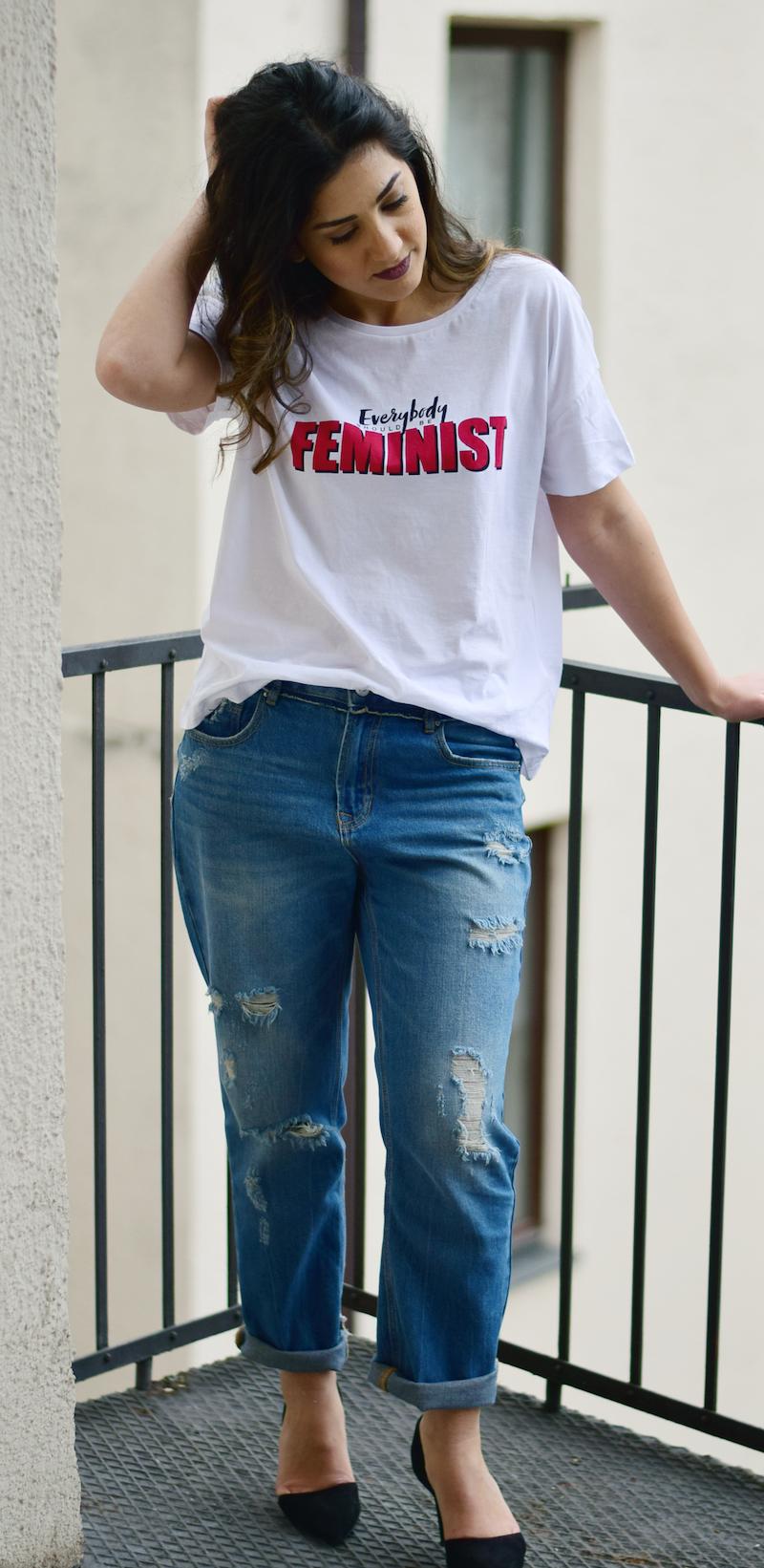2000 outfit boyfriend jeans