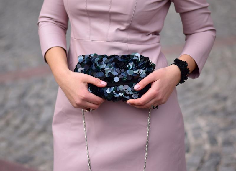 lederkleid accessoires