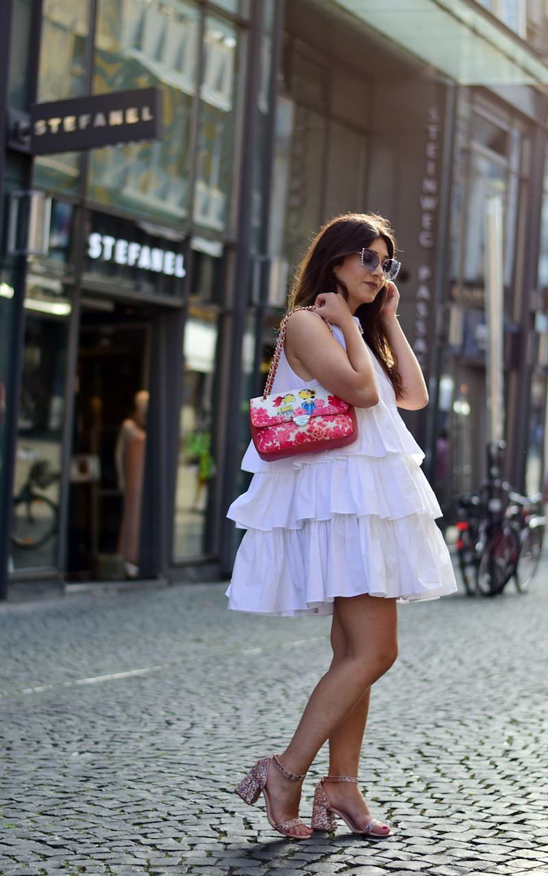Kleid mit Rüschen Fashion Blog