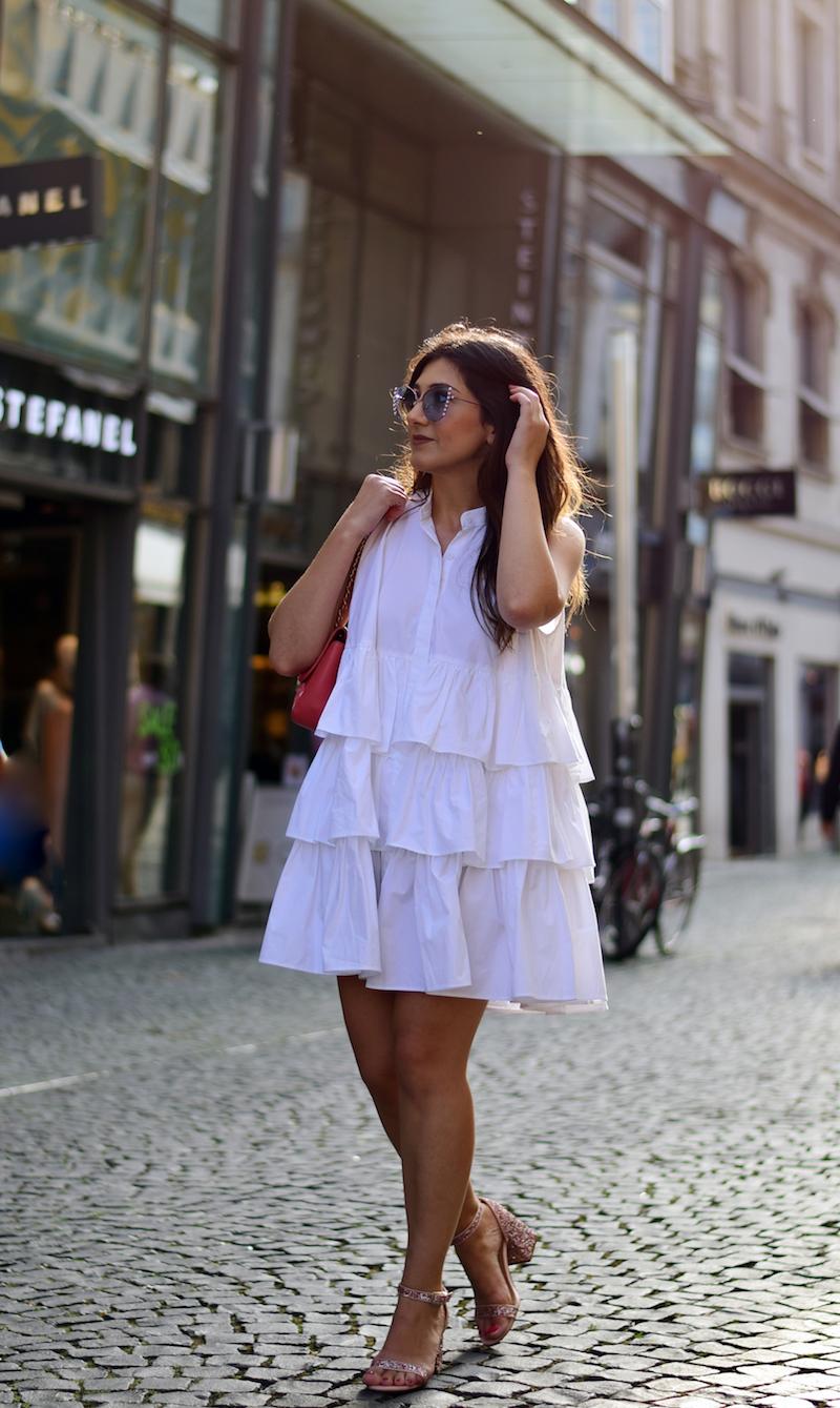 Streetstyle Frankfurt Rüschenkleid