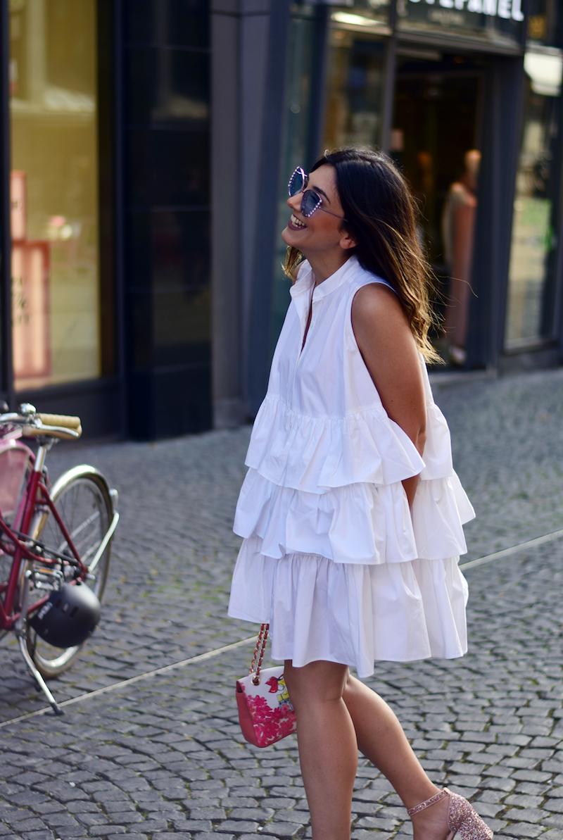 how to style Rüschenkleid